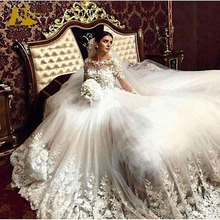 2017 Luxury Bateau Neckline Lace Appliqued See Through Bridal Gown Royal Wedding Dress