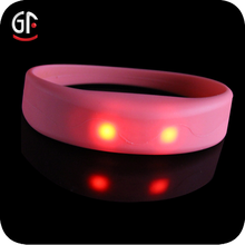 2015 Wholesale Silicone colorful Personalized Silicone Bracelets