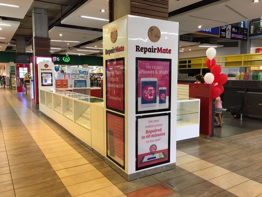 3D design mobile phone display/furniture design for mobile shop