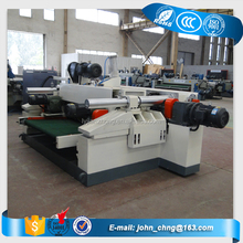 Spindleless core veneer peeling machine