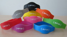 Best selling products LF 125kHz/HF 13.56MHz RFID chip silicone wristband silicon bracelet with logo