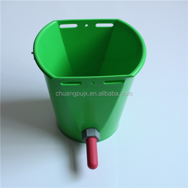 Rubber Nipple Calf Feed Bucket with 8L Bucket Volume