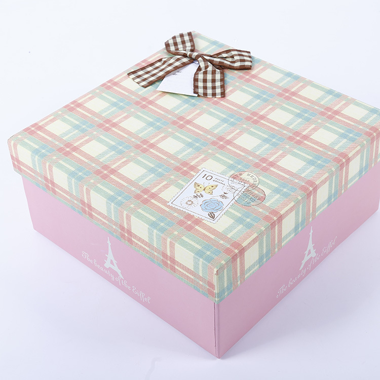 The new fashion wind exquisite gift box grid square of England receive gift box packing box