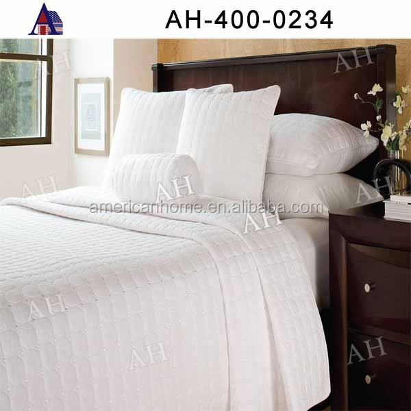 High Quality OEM King Size Cheap Thick White Quilt Bedding Set