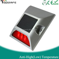 White and Red Color Solar LED Aluminum Reflector Cat Eye