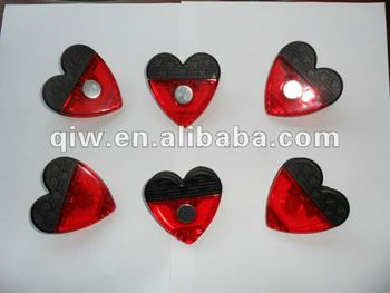 2016 Hot sale Plastic heart shape memo clip for fridge