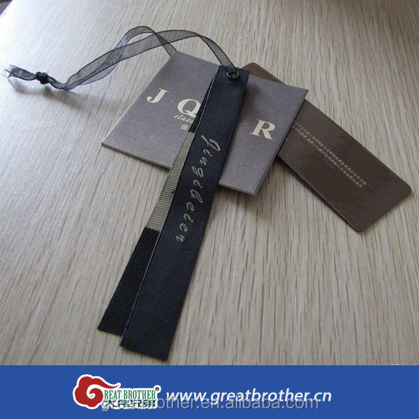 Custom design kraft printing paper hang or pricing tags in jeans wearings
