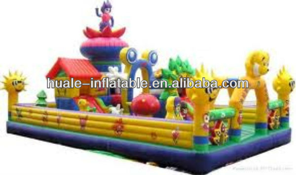Huge customized jumping castles inflatable water slide high quality inflatable bouncy jumping castle for children