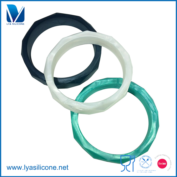 Custom Food Grade FDA Approved Colorful Baby Silicone Teething Rings Toys Adult Teething Bracelets