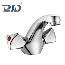 Old Fashioned good price Bathroom Faucets cheap brass basin faucet