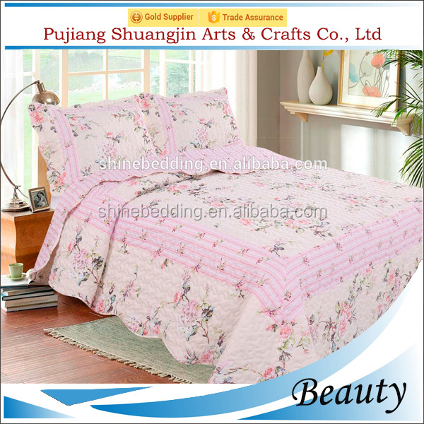 Elegant style 100% patchwork pattern polyester allover printed wedding bedsheet with shams