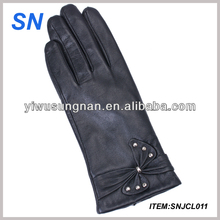 latest new ladies fashion leather gloves with buffterfly knot