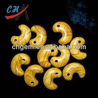 fashion semi precious stone magatama pendant jade jewelry