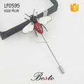 Elegant custom metal insert bee lapel pin for men suits