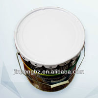 painting round small metal pail