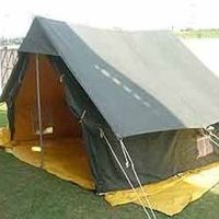 Beautiful 4-6 Men Family Camping Tent at Wholesale Rates