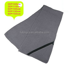 China low price microfiber gym towel with customed logo mesh bag gym towel with zip pocket