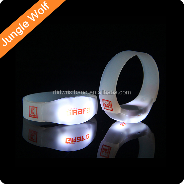 Wholesale Custom silicone led wristband