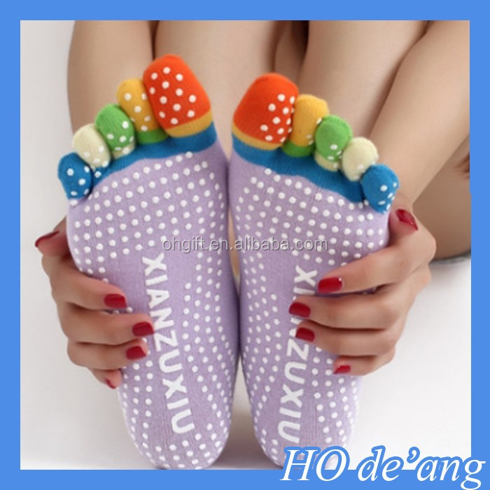HOGIFT Wholesale Hot fashion cute cartoon candy color for Girls calcetines meias feminina funny women's finger five toe socks