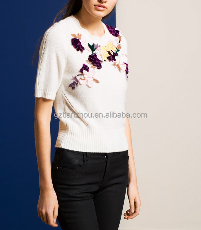 Guangzhou clothing OEM knit sweater knitwear knitted jumpers CREAM KNIT TOP WITH VELVET FLOWERS