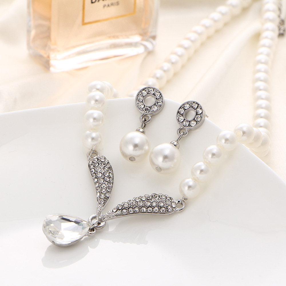Hot Selling Crystal Pendant Necklace Pearl Set Jewelry Wholesale