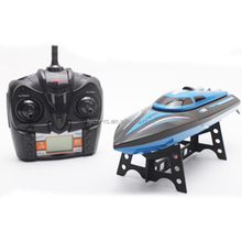 Low voltage alarm function 4 channels remote control boat toys with led display