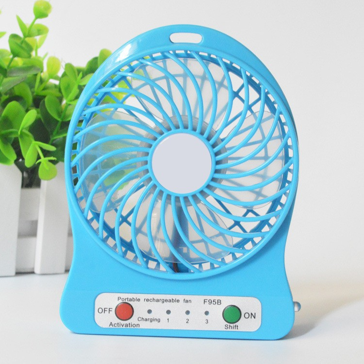 Best gift and price portable mini fan rechargeable 5v dc fan with battery and retail package