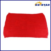 HZW-13759 winter warm knitted acrylic infinity red triangle jacquard neck lady fashion scarfs