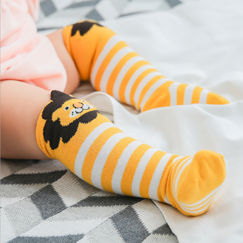 Wholesale <strong>spring</strong> fashion over knee cute cartoon bulk cotton baby socks