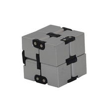 China Professional Manufacturer Fidget Cube Toy for Adults & Kids
