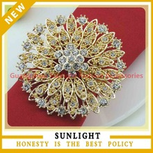 hot sell fancy bulk cheap gold plated flower rhinestone napkin rings for weding table decoration