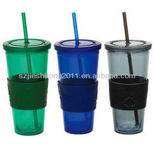 Colorful plastic drinking mugs with straw / plastic mug with silicon cover