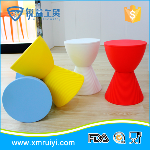 Online selling colorful delicate plastic sitting stool for kids