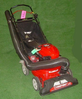 New Troy Bilt Chipper 5.5 HP Briggs Quantum