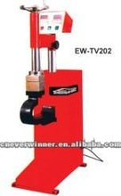 Tire vulcanizer, tire repair equipment