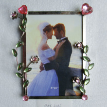 Wholesale Exquisite Diamond metal photo frame for wedding gift simple fashion photo picture frame for home decoration