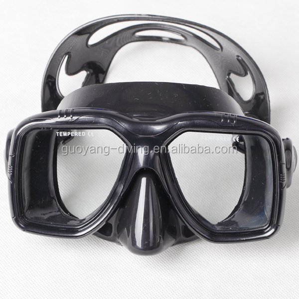 tho most classic and best-selling adult scuba diving mask with adjustable strap