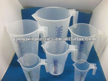 New plastic measuring cup