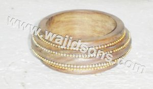 BEADED BANGLE WOODEN