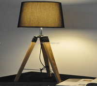 hand made hot sale antique industrial loft wood tripod table lamp/Desk lamp