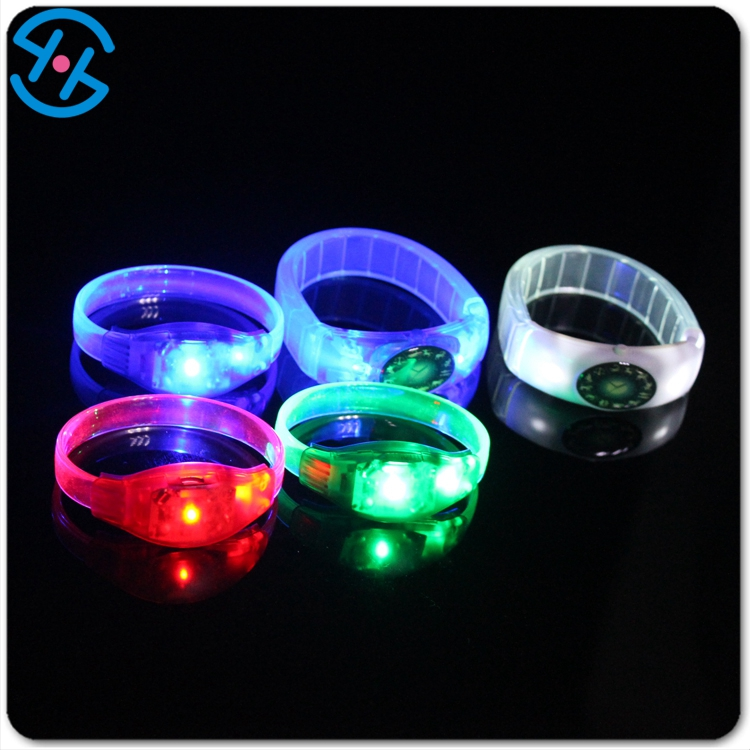 Glowing in dakness sound activated LED multicolor shocking bracelet to decoratiin in party and concert
