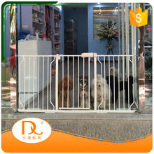 Wholesale adjustable retractable high quality pet dog safety gate for doors