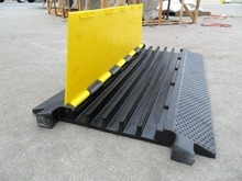 Durable natural rubber cable protector/cable cover/cable ramp