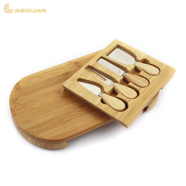Natural and Eco-friend Bamboo Cheese Board with Cutlery Set,New design oak cheese board 4pcs with set Knife Tools accept OEM