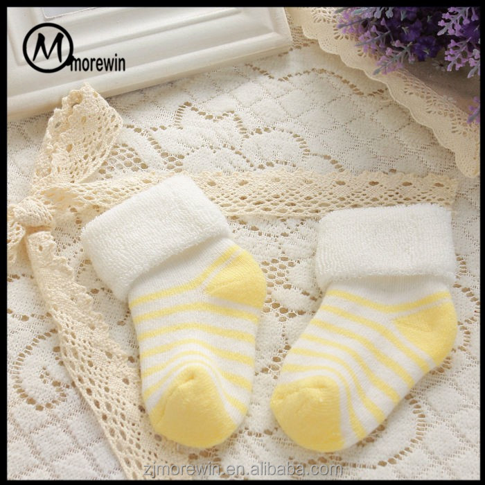 2017 Morewin High Quliaty non-slip rubber sole baby toddler shoe socks