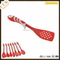 BSCI Factory Supply TPR Handle Kitchen Tools Slotted Cooking Turner