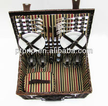 Hot Outdoor natural handmade family willow picnic garden basket