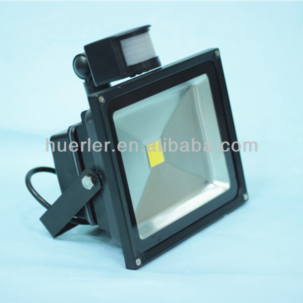 High quality good price ip65 PIR SMT COB 12v solar led flood light 50w motion sensor led street light 50w