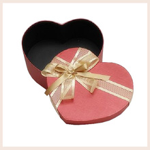 wholesale custom valentine gift box for chocolate heart shape tin box with ribbon VS candy box