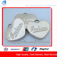 CD8922 New Arrival Shiny Gold Engraving Metal Heart Pendants